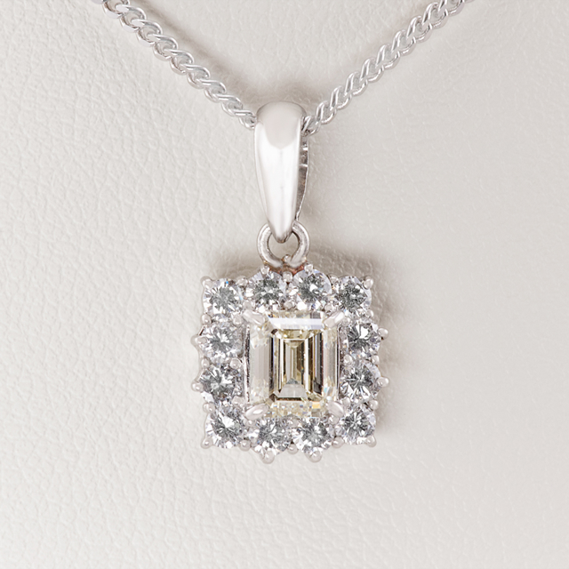 CENTER DIAMOND-1.02CT TOTAL DIMAOND WEIGHT 1.57CT
